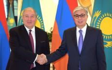 Head of State Kassym-Jomart Tokayev meets with President of Armenia Armen Sarkissian